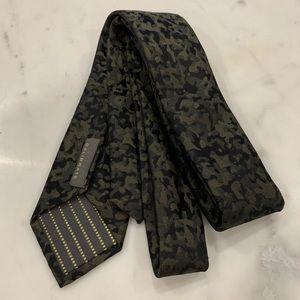 Calibrate Camo Tie